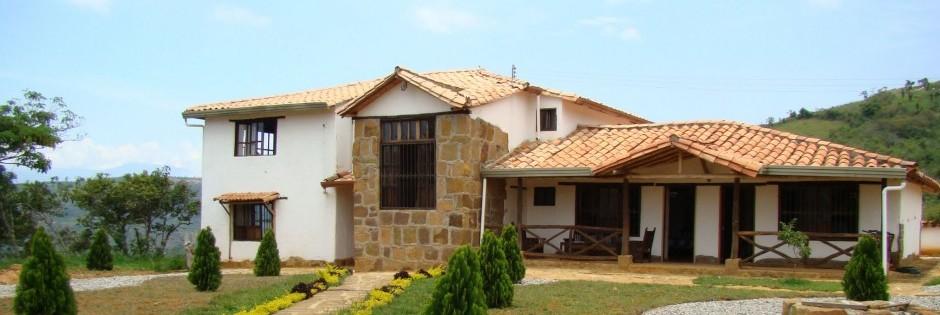 Vista Frontal de la Casa Fuente: Jorge Ortiz R